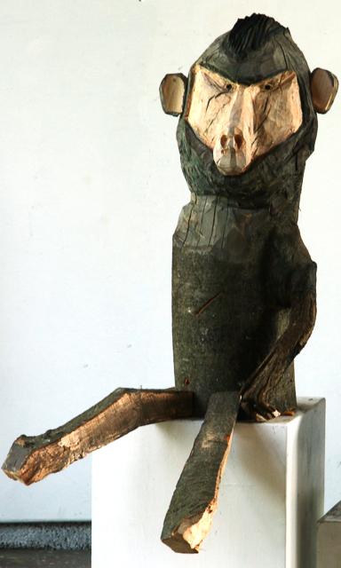 Affe, Buchenholz, 80 x 55 x36 cm, 2014