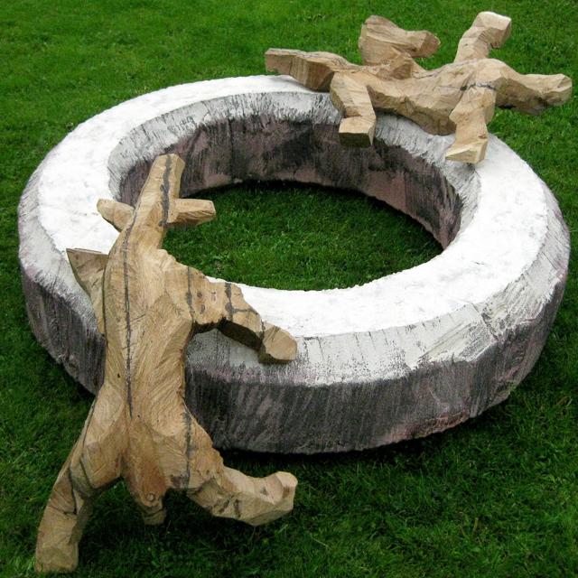 Hundespiel, Holz, 2007